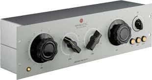 Manultec ORCA-BAY MT-E.8012 : Boutique-Stereo EQ, passionately made in Germany